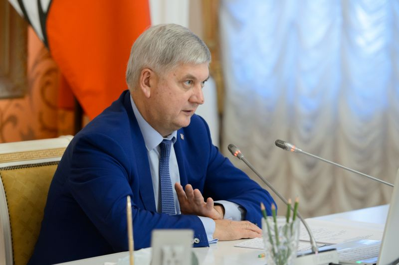 Завоевавших семь медалей на чемпионате России по лёгкой атлетике воронежских паралимпийцев поздравил губернатор