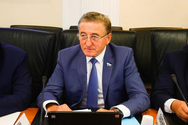 22 сентября сенатор от Воронежской области Сергей Лукин принял участие в пленарном заседании, открывшем осеннюю сессию Совета Федерации.