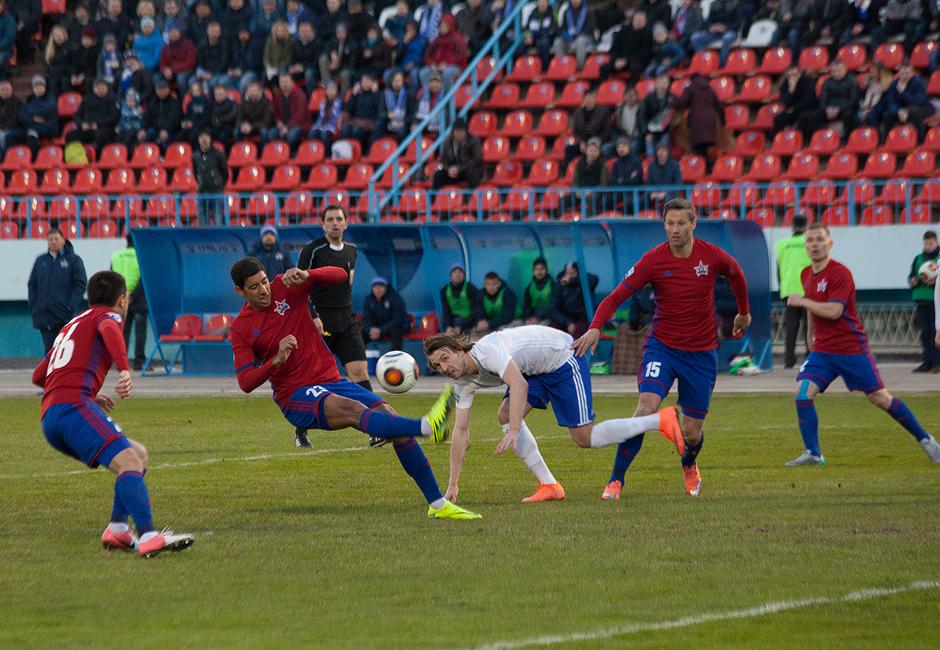 Футбол: «СКА-Хабаровск» одержал четвёртую победу подряд, обыграв воронежский «Факел»